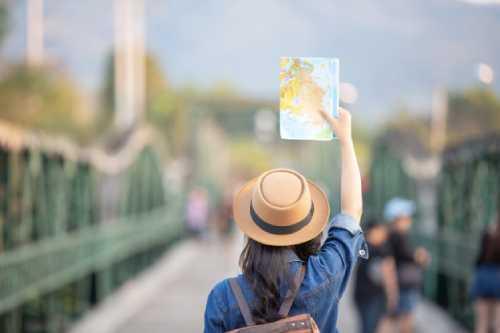 "alt=""AI helps resolve travel disruptions - Bridge Global blog"""
